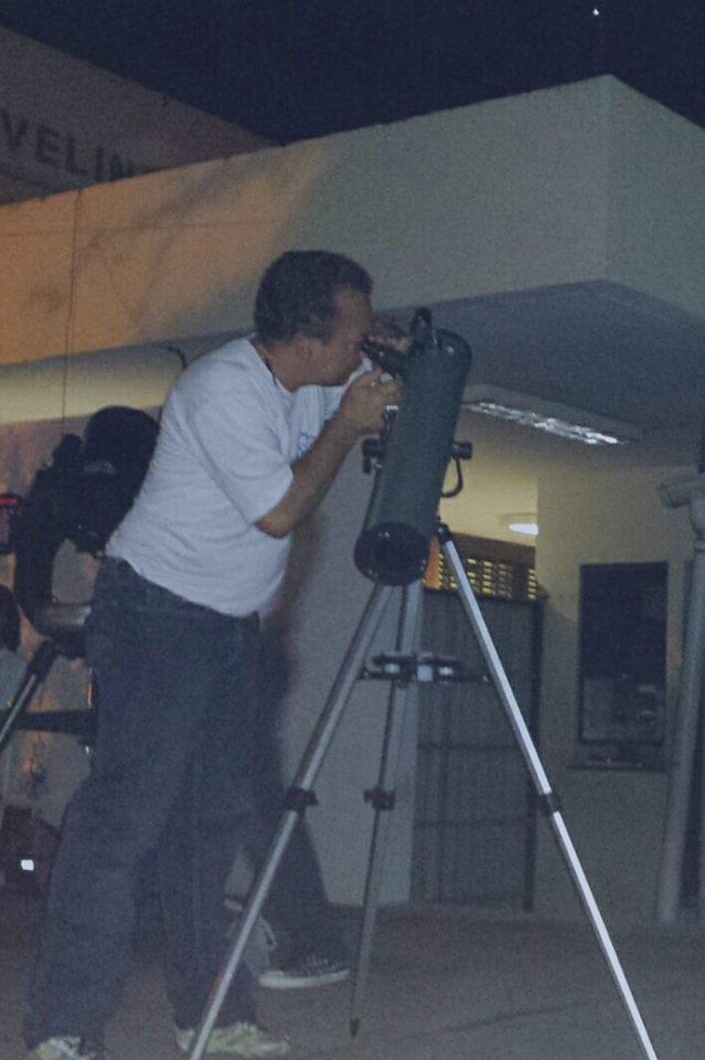 """Francisco Peixoto Neto(GSS) - de Fundo o Planeta Júpiter- Projeto """"De Olho no Céu de Teresina"""" desenvolvido pelo IFPI-DIREX/THC/GSS. Crédito: Danilo Alefe."""